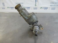 Picture of Brake Master Cylinder Lancia Kappa Station Wagon from 1996 to 2001 | LUCAS