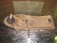 Picture of Front Axel Bottom Transversal Control Arm Front Right Nissan Vanette de 1988 a 1995